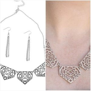 HACIENDA HEIGHTS SILVER NECKLACE/EARRING SET